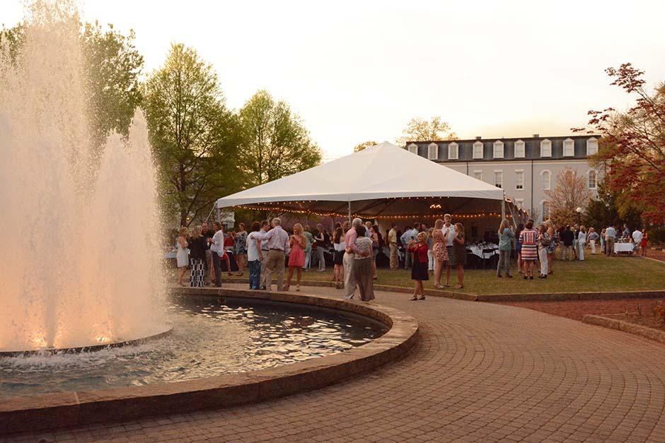 outdoor-party-reception-rental